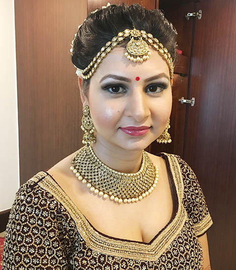 professional makeup artist in delhi